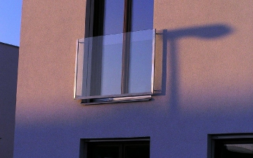 Hranatý fr. okno